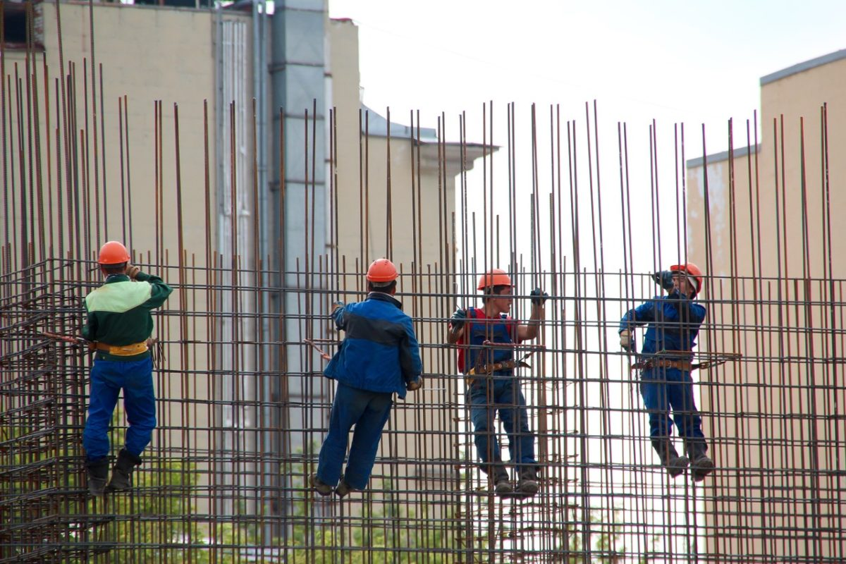 Bauwirtschaft fordert Versicherungspflicht für Solo-Selbstständige